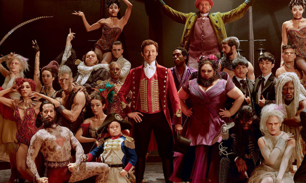 gallery-1513337323-the-greatest-showman-cast-hugh-jackman